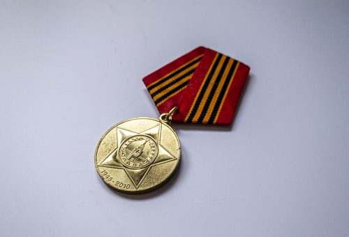 Mount your medals the right way with three hassle free tips